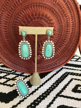 Load image into Gallery viewer, Dolly Mae Earrings