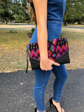 Load image into Gallery viewer, Guatemalan Perla Crossbody