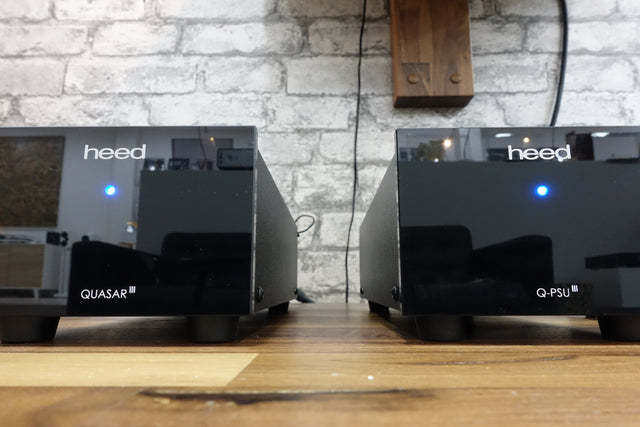 Heed Audio Quasar III MM and MC phono preamplifier and Q-PSU III external power supply previo de phono etape fuente de alimentación Blue Sky Música