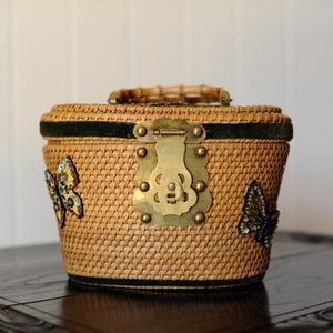Vintage Nantucket Bag w/Beautiful Fastener
