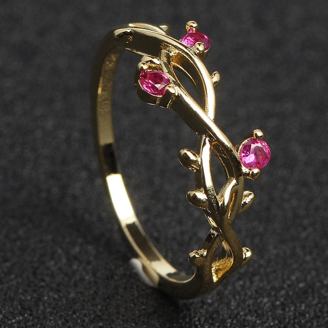 CAPTIVATING ROSE THORNS RING