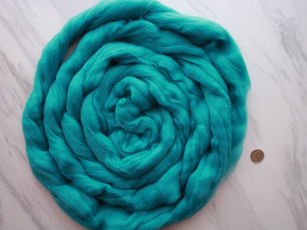 CERULEAN Superfine Blue Merino Top - 4 oz and 18.5 microns