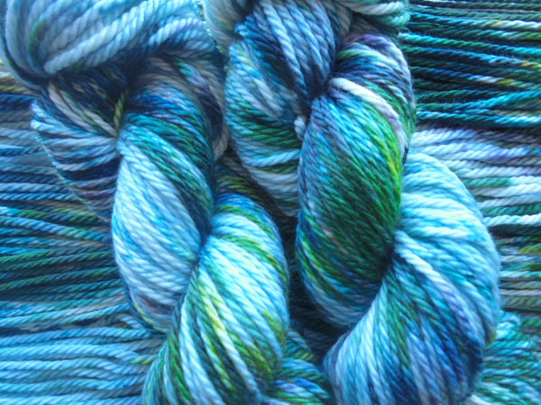 MONET'S WATER LILIES on Quick and Cozy Bulky Yarn