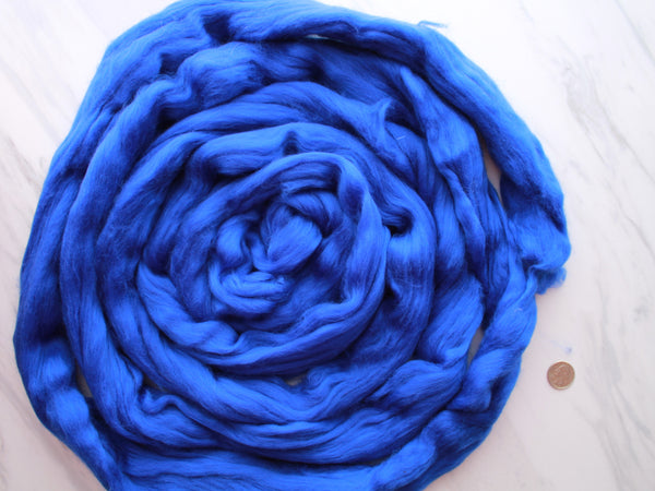 SAPPHIRE Superfine Blue Merino Top - 4 oz and 18.5 microns