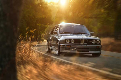 BMW M3 E30 GRIS ULTUMATE DRIVING MACHINE