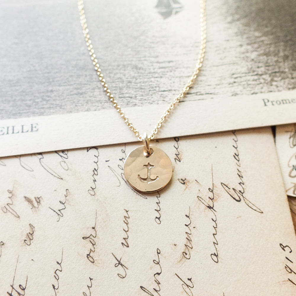 Anchor Tiny Round Charm Necklace