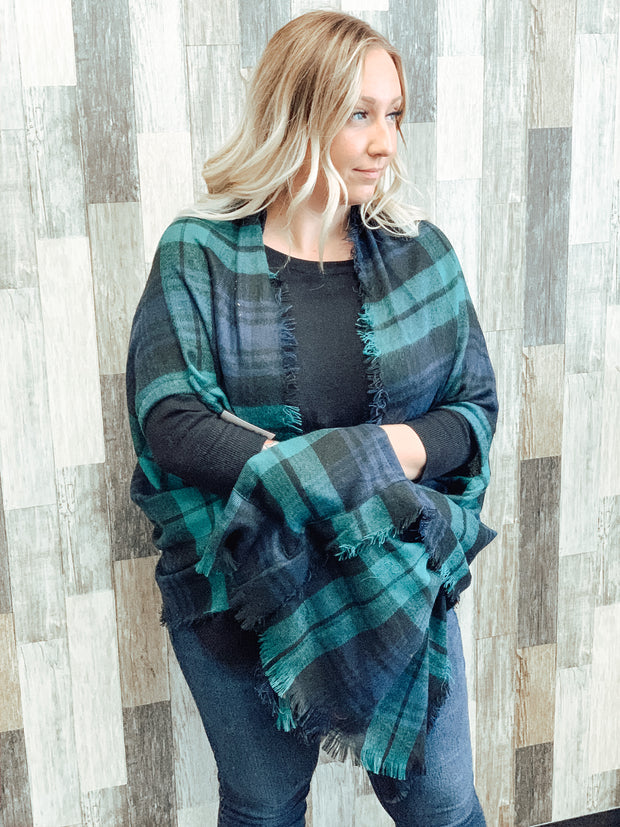 Plaid Pocket Ruana