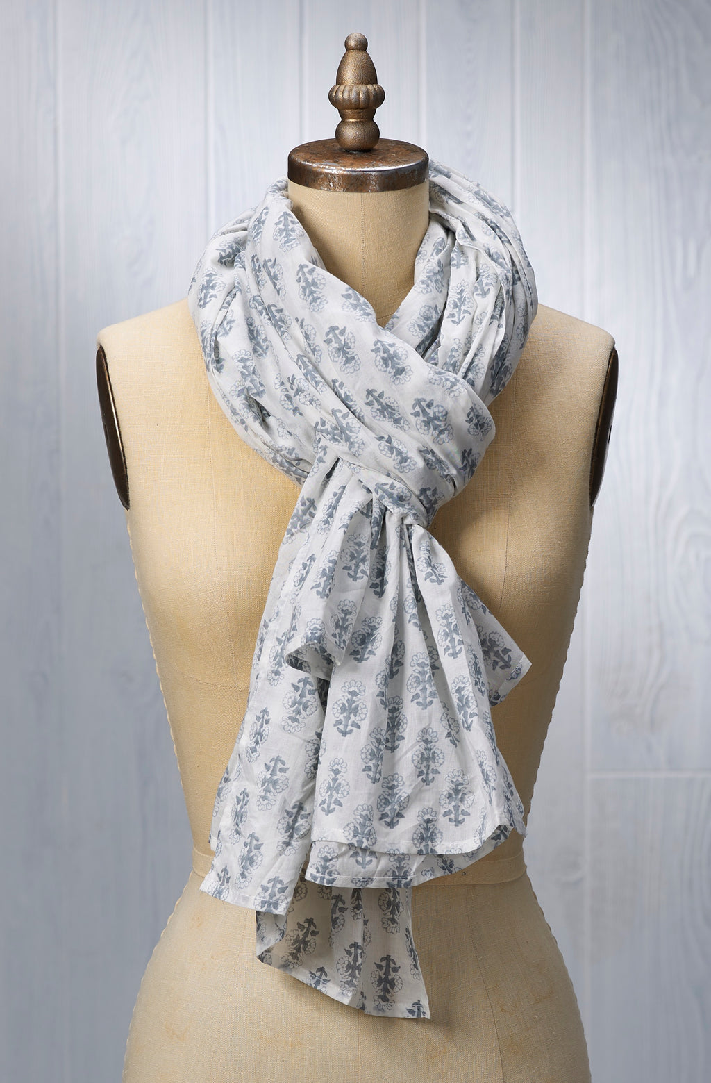 August Table Scarf - Talelayo print in Tern Gray