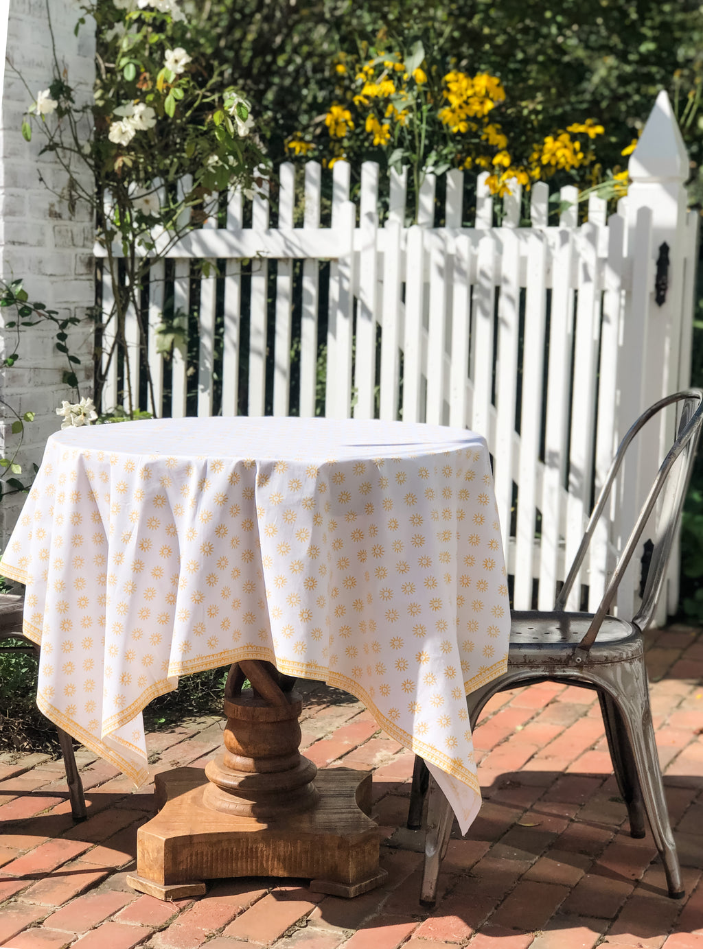 Here Comes the Sun Tablecloth in Tanager Yellow