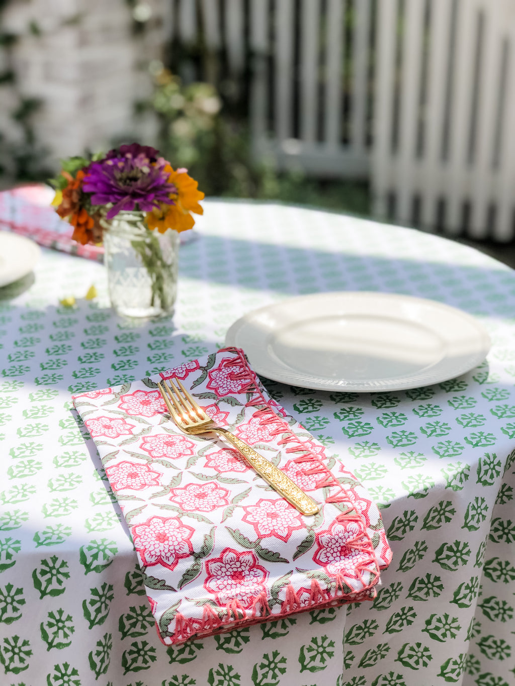 Sequoia Tablecloth in Linnet Green