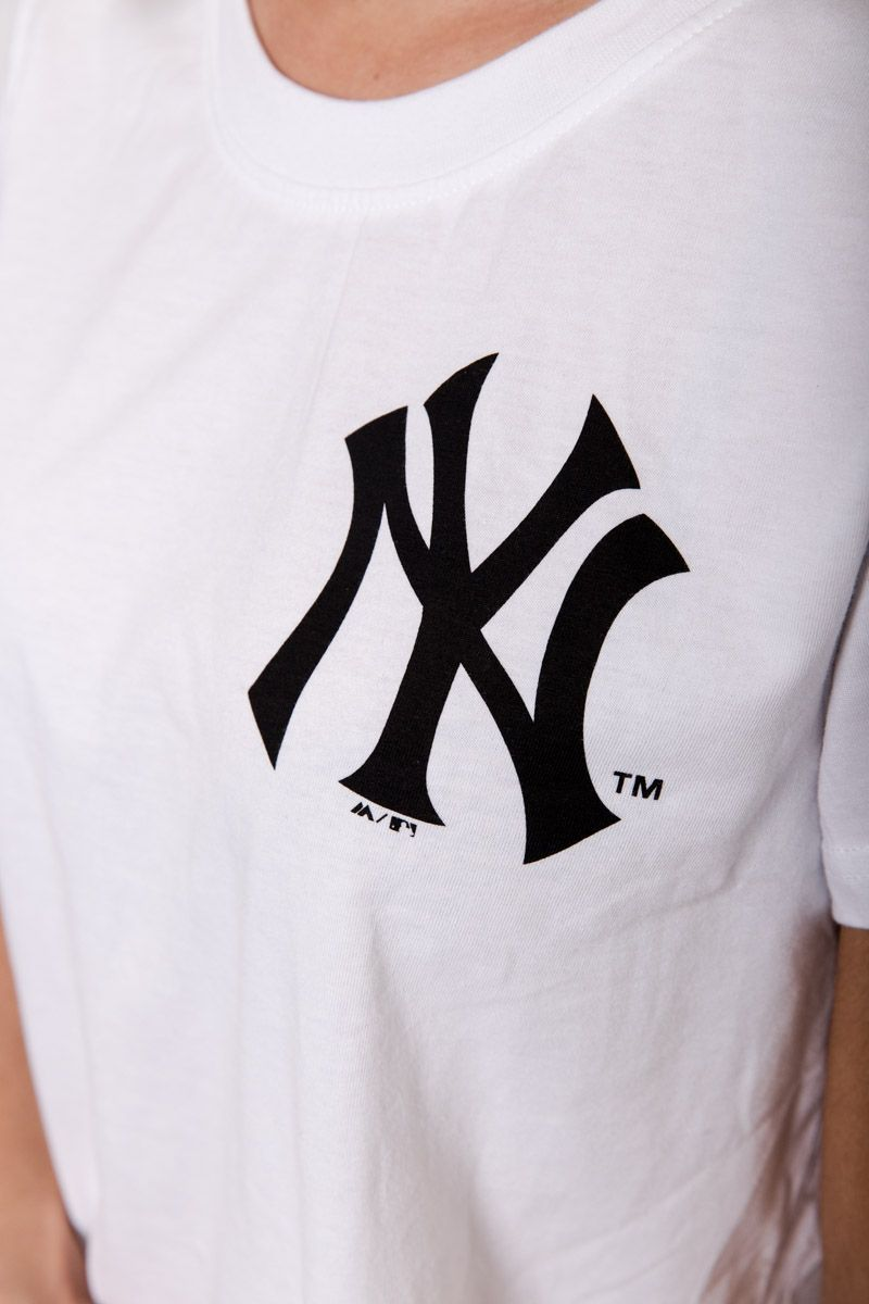 NY YANKEES WHITE LINZI CROP Majestic Athletic Imperial Clothing