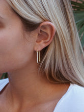 Load image into Gallery viewer, VERA EARRINGS