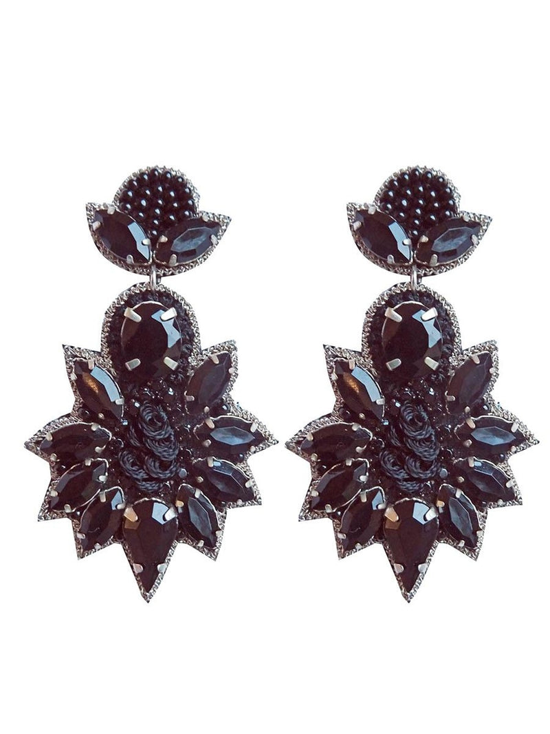 Pipol's Bazaarin Gina Earrings värissä Black.
