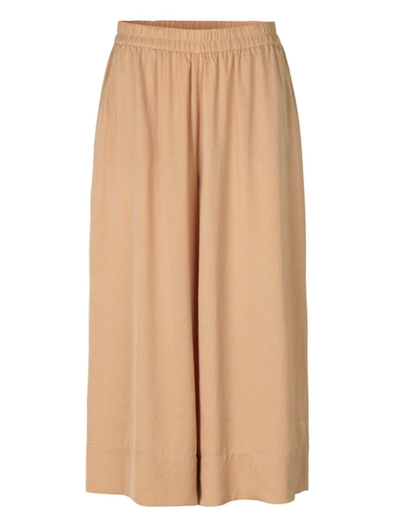 Second Femalen Minga trousers värissä Beige.