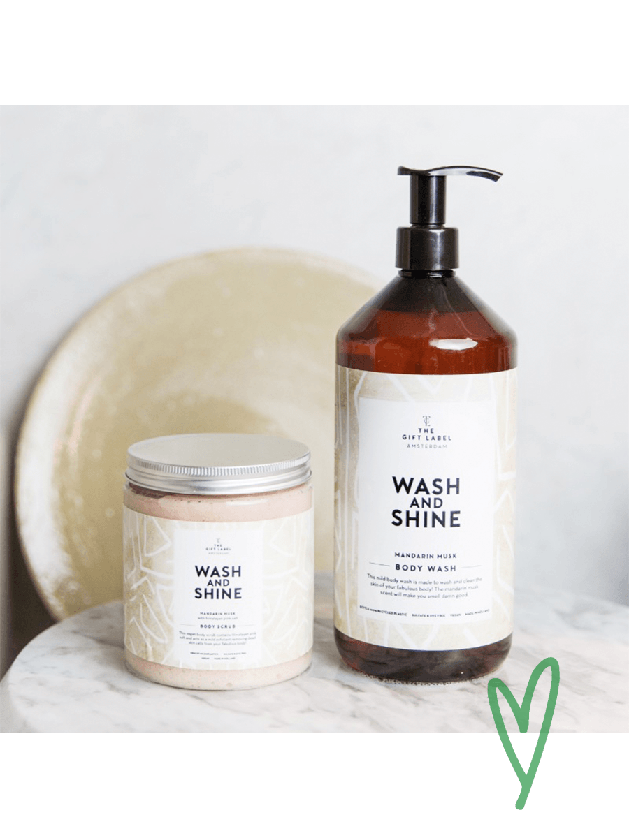 WASH AND SHINE body wash
