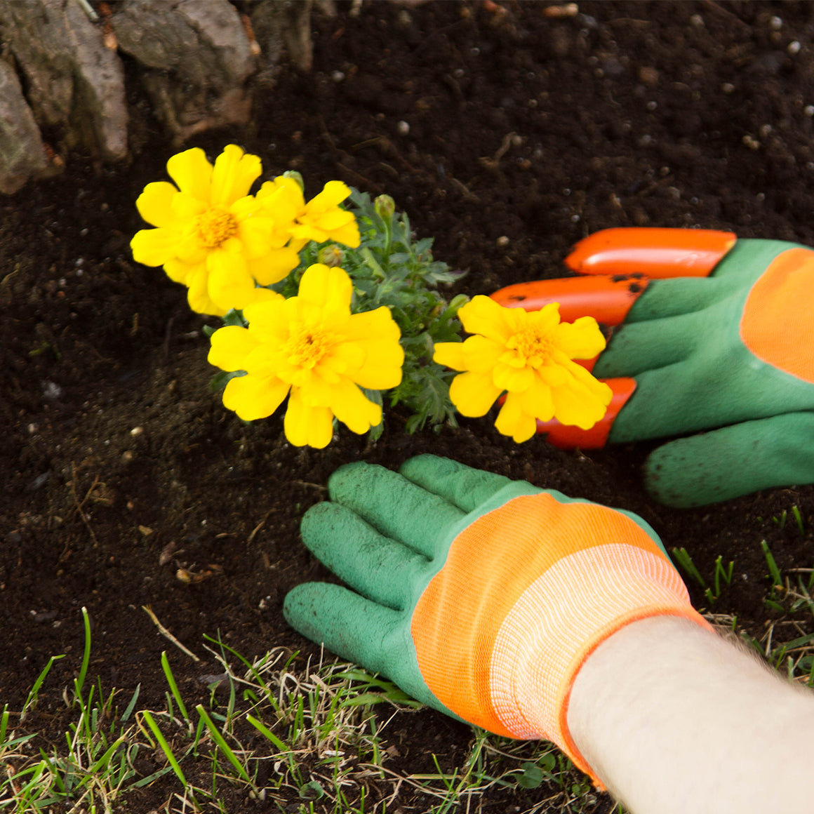 Yard Hands | Gardening gloves | Dig, plant, flatten and rake with complete protection