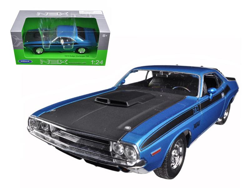 1970 Dodge Challenger T/A Blue 1/24 Diecast Model Car by Welly