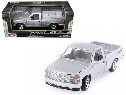 1992 Chevrolet SS 454 Pickup Truck Silver 1/24 Diecast Model by Motormax