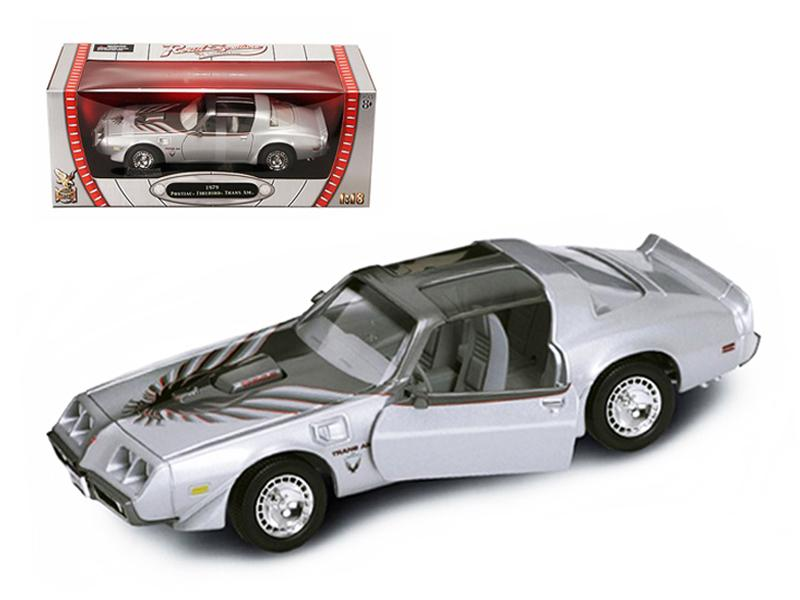 1979 Pontiac Firebird Trans Am Silver 1/18 Diecast Model Car by Road Signature