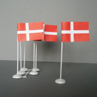 Dansk flag til bordet 6 stk. - Danish flags to stand on a table