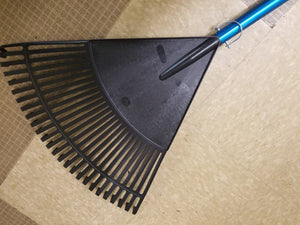 "24"" Rake Attachement connected to telescoping pole"