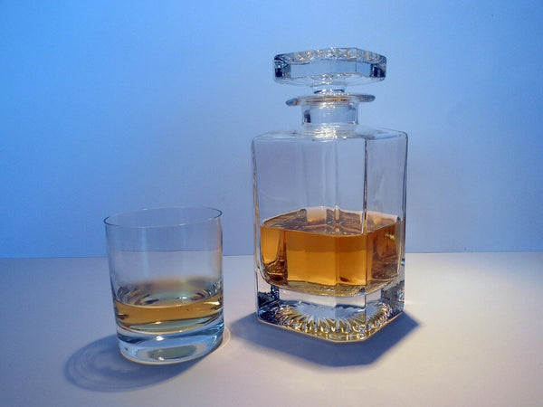 dram-of-whiskey-inglass