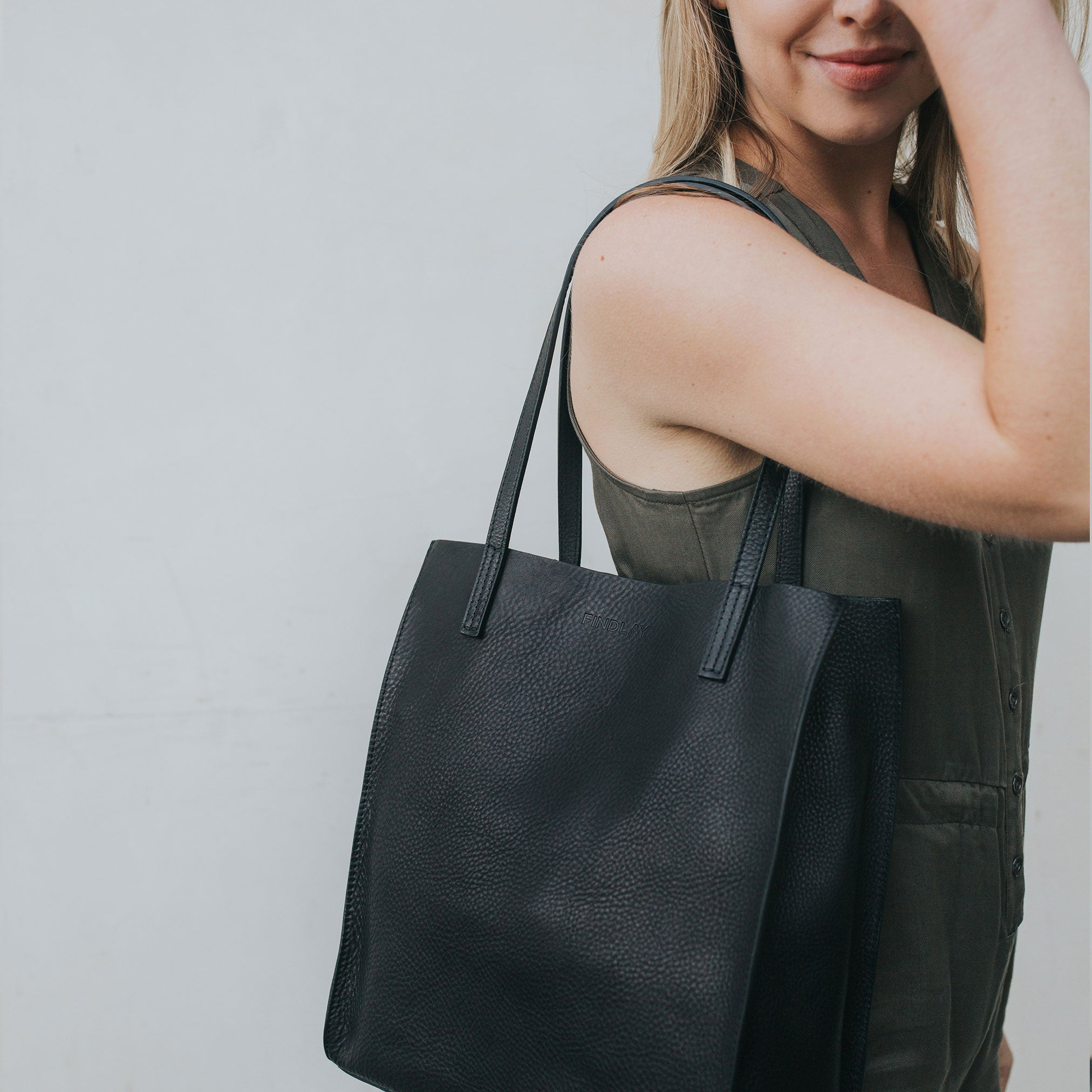 Simple Mag Tote, Black