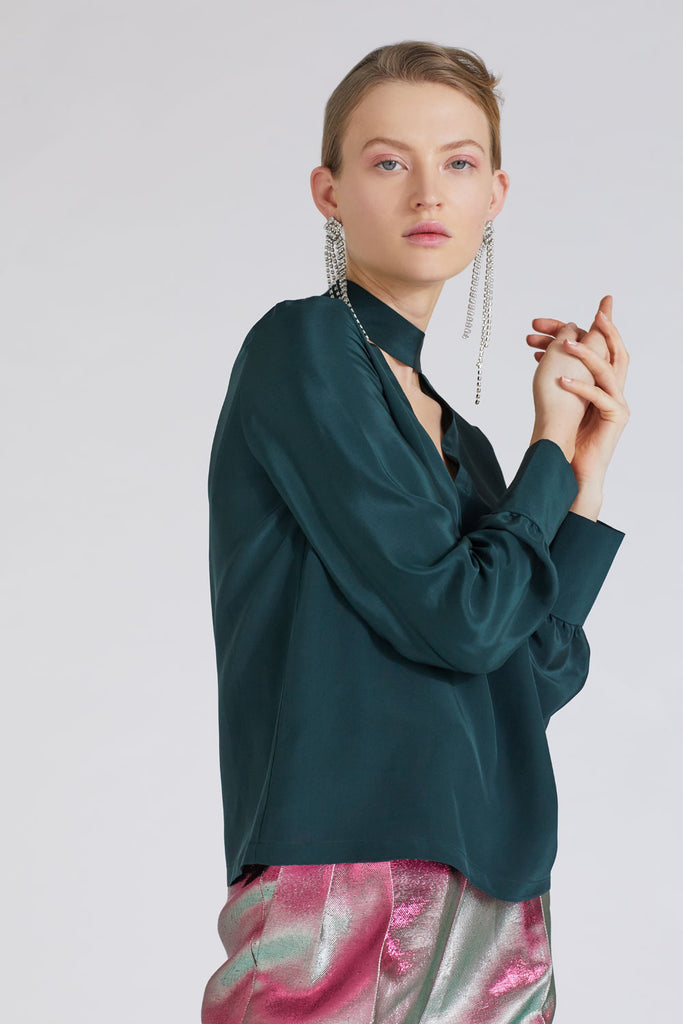 JADE V-NECK BLOUSE