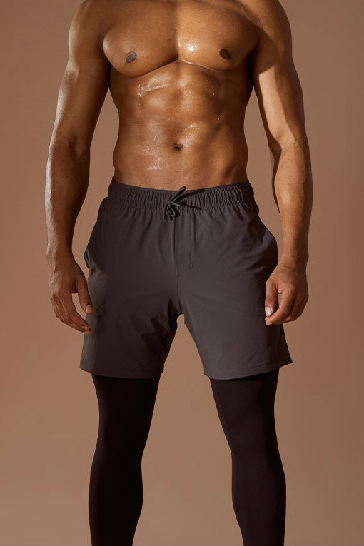 "HIGH STRIDE 9"" SHORTS"