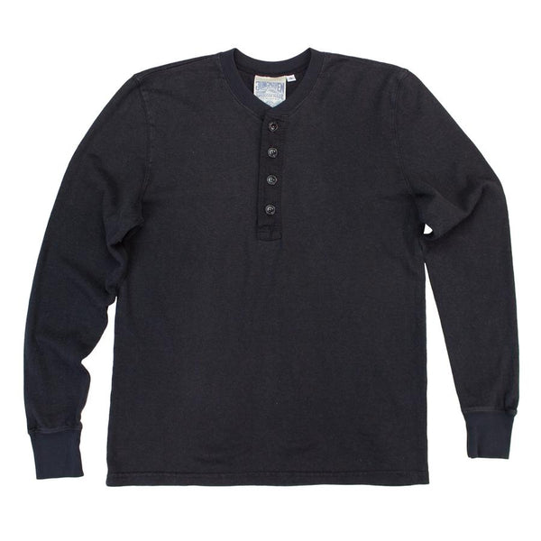 Mountain Henley in Black
