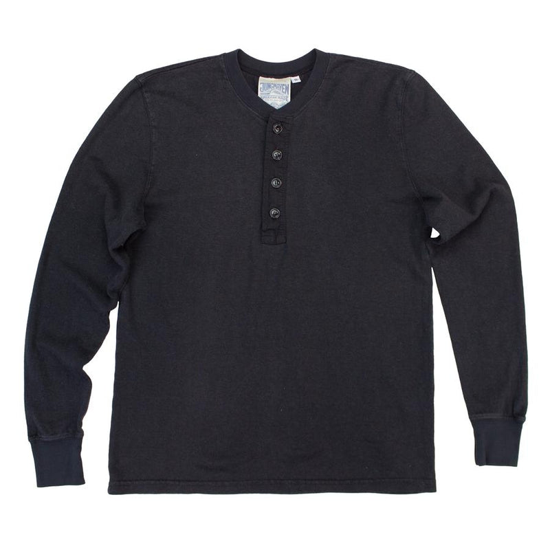 products/MountainHenley_Black_900x_a0e76b96-4e95-456e-b85f-df0db9a5806f.jpg