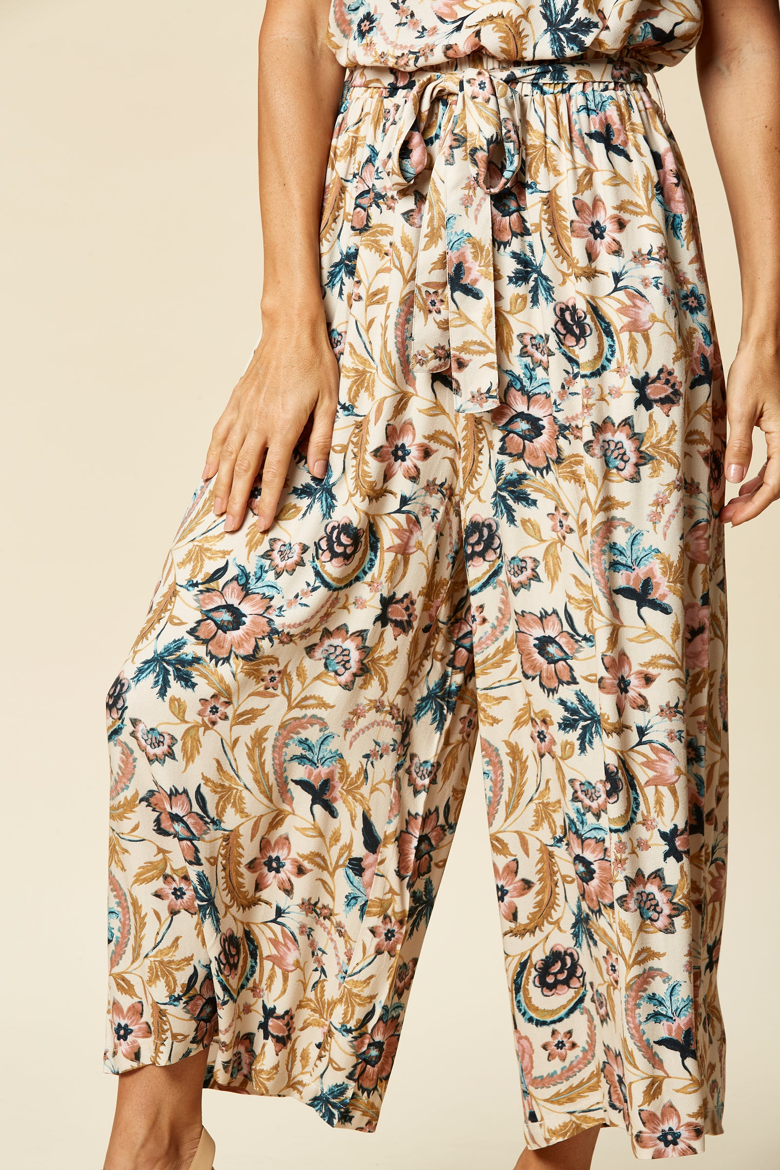 Zena Pant - Buff Botanical - eb&ive Clothing - Pant Relaxed