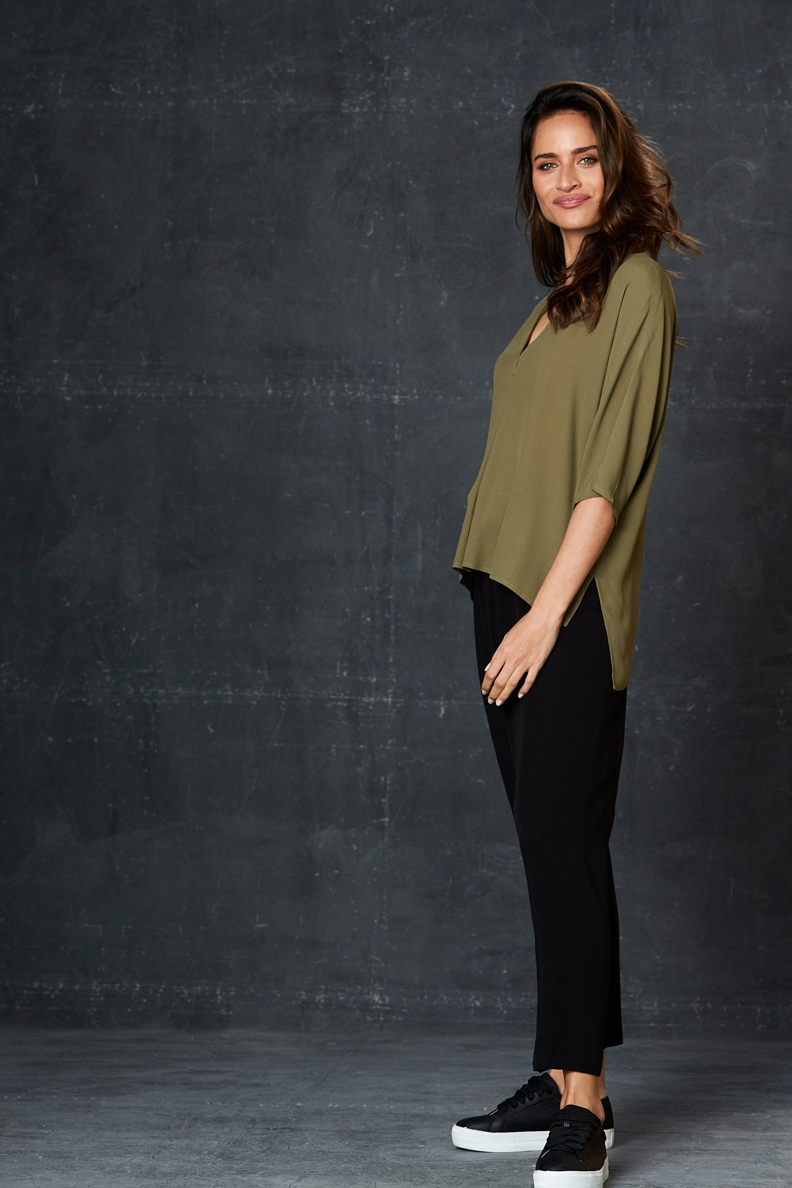 Staycation Top - Moss - eb&ive Clothing - Top S/S