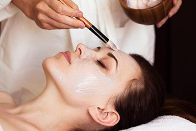 A course of dermoi! facial treatments