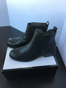 Women Ankle Boots - 7