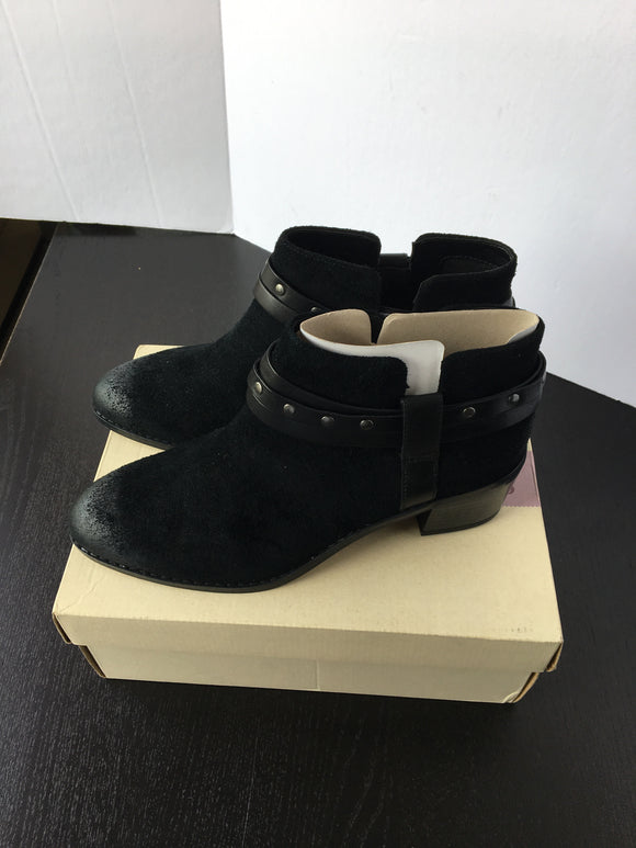 Women Ankle Boots - 10