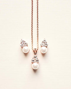 Pretty Pearl Drop Jewelry Set