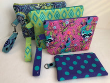 Load image into Gallery viewer, Small Zippered Project Bags Pattern