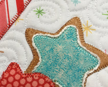 Load image into Gallery viewer, Sugar and Spice Christmas Mug Rug Pattern