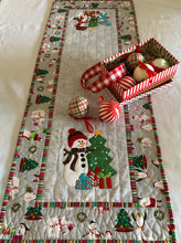 Load image into Gallery viewer, Snow People Table Runner Pattern