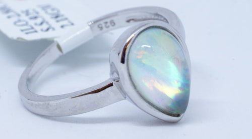 1 IL Opal, 8Ct Ring