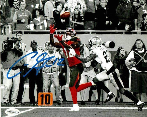 Chris Godwin Signed Tampa Bay Catching Ball vs. Saints Spotlight Signed 8x10 Photo