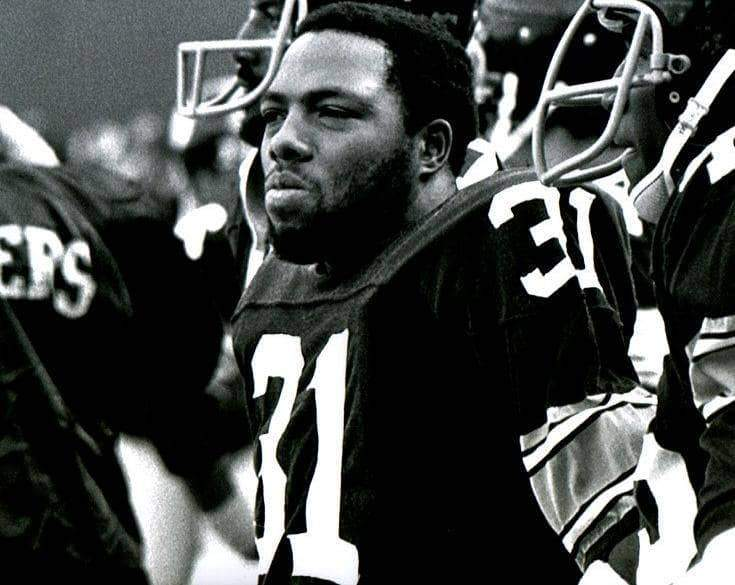 Donnie Shell Close-up in Black & White Unsigned 8x10 Photo