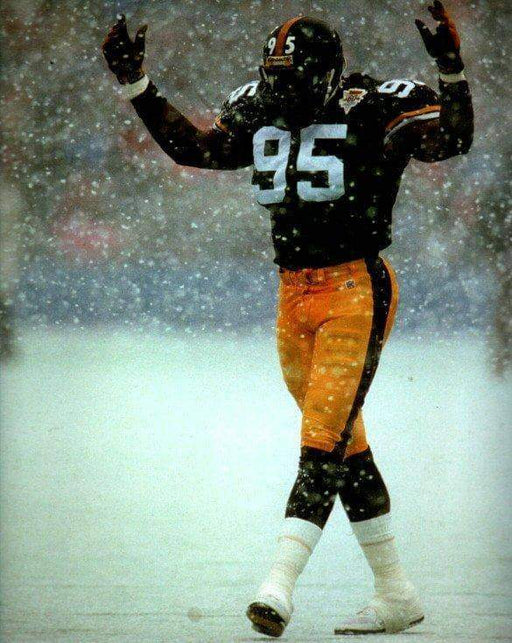 Greg Lloyd Arms Up in Snow Unsigned 8x10 Photo