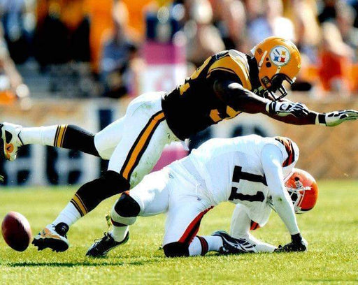James Harrison Hitting Browns Player Color Unsigned 8x10 Photo