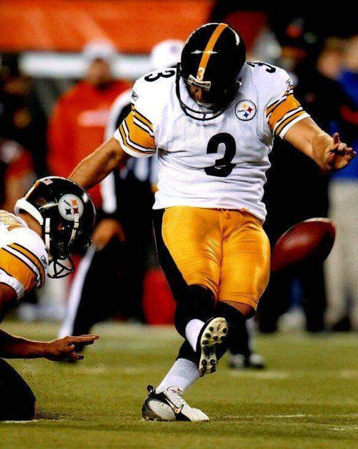 Jeff Reed Kicking in White Unsigned 8x10 Photo
