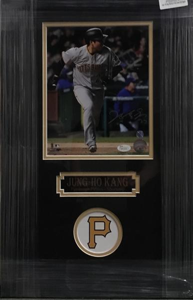 Jung-Ho Kang Running in Grey Jers. 8x10 Signed - Professionally Framed