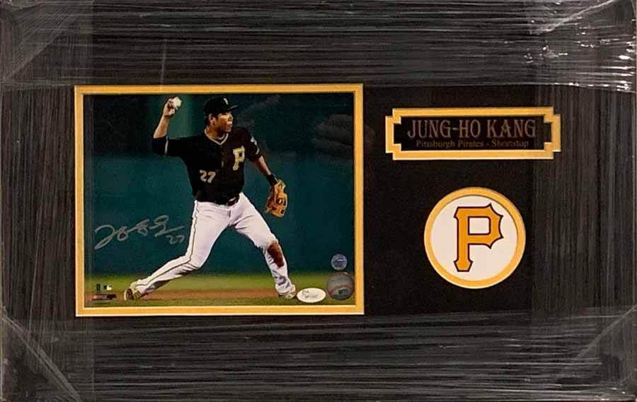 Jung-Ho Kang Throwing in Black 8x10 Signed - Professionally Framed Default Title
