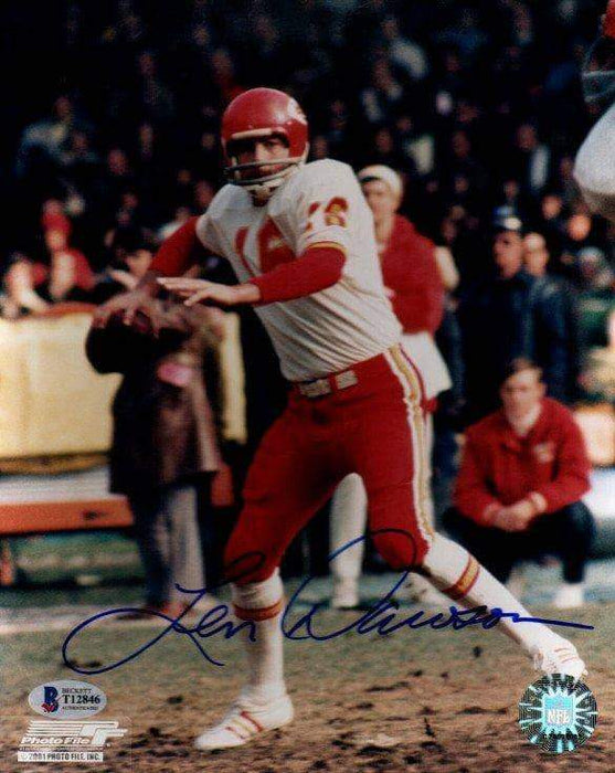 Len Dawson Autographed About to Throw 8x10 Photo