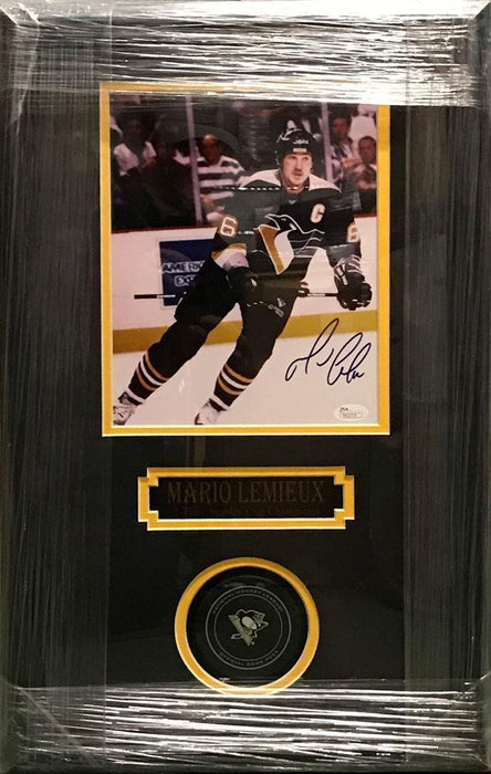 Mario Lemieux Signed 8x10 with Penguins Game Model Puck Shadowbox